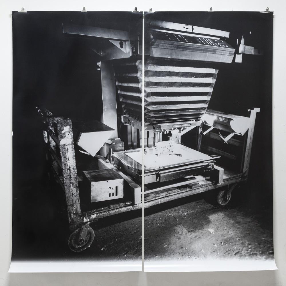 Pedro Wainer - Repromaster 2100. 215 cm x 214 cm. Exposición directa sobre papel RC perla, impresión única. (2014)